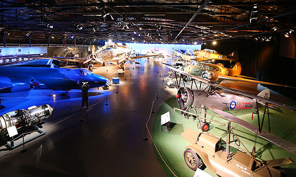Aircraft-Hall_Display