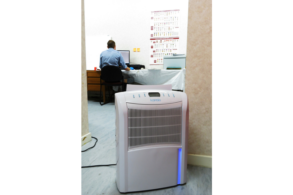 Clothing Store_Dehumidifier_AFM