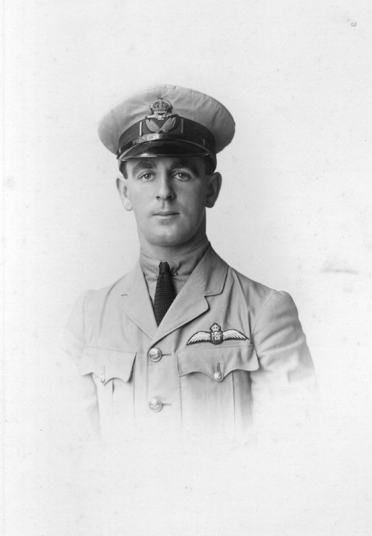 Allan Macdonald in RAF uniform, 1918. From the collection of the Air Force Museum of New Zealand.