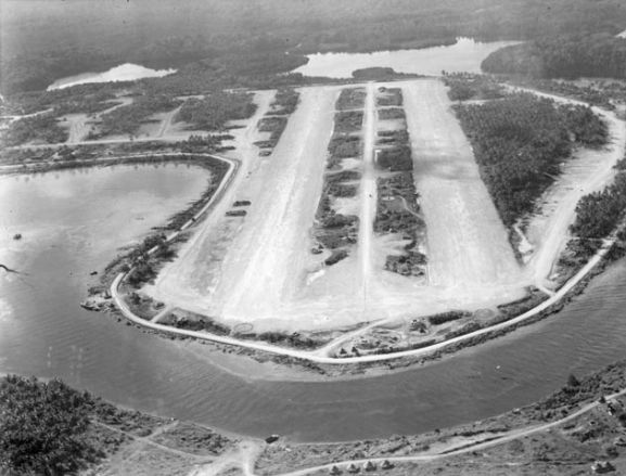 Aerial view of the airstrip at Ondonga, home of the New Zealand Fighter Wing, 1943. Image ref PR3614 ©RNZAF Official.
