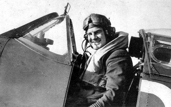 Wing Commander Alan Deere in the cockpit of his Spitfire.