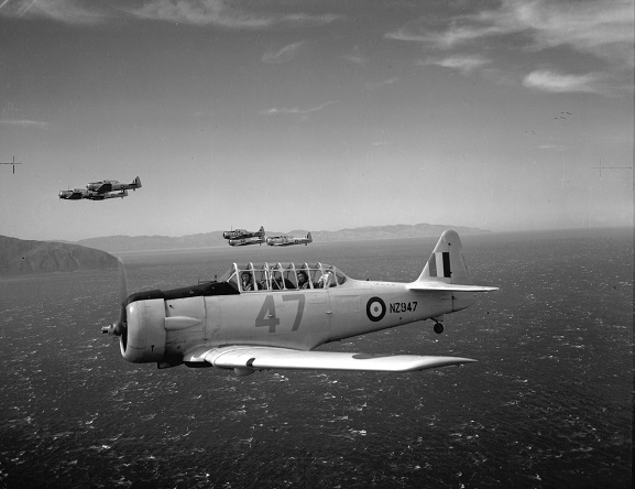 Harvards from No. 2 Service Flying Training School at Woodbourne, showing RAF-style roundels, 1944. Image: RNZAF Official, PR4261.