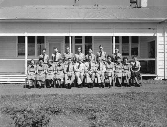 Group. No. 61 Air Defence Squadron (Radar Unit) at Piha Radar Station. Ref: WhG11153-57, RNZAF Official.