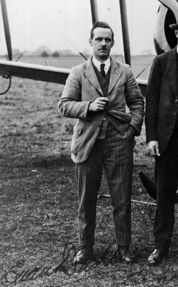Chief pilot of the Canterbury (NZ) Aviation Company, Euan Dickson, photographed in 1923. Cropped from a larger image (ref WgG6545-70, Air Force Museum of New Zealand).