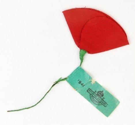 Poppy with tag 1941